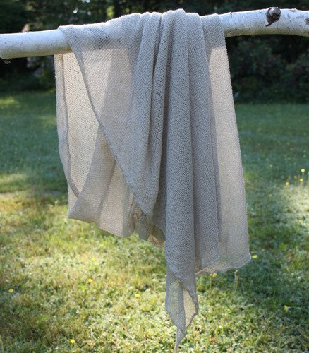 Shawl made of linen
